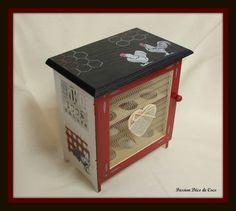 Cage à oeufs noire rouge et gris