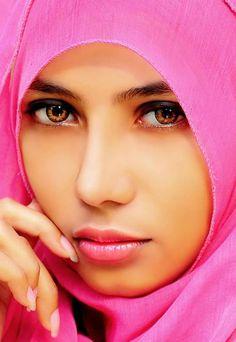 Beautiful Portraits of Girls in Hijab