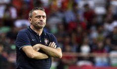 O Cruzeiro confirmou oficialmente o acerto com o treinador português Paulo Bento, de 46 anos, ex-técnico da seleção de Portugal.
