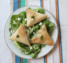 Oven-baked phyllo dumplings with zucchini, feta and fresh mint. Phyllo Dough Recipes, Tasty Kitchen, Appetizer Dips, Veg Recipes, Food For Thought, Finger Foods, Food Inspiration, Zucchini, Food And Drink