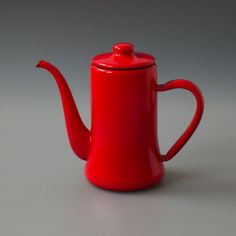 Japanese Coffee Pot Red  http://www.labourandwait.co.uk/collections/show-all/products/coffee-pot