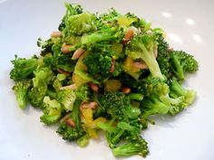 Yummy broccoli salad! Dont wanna eat raw broccoli? U might changes ur mind after this !
