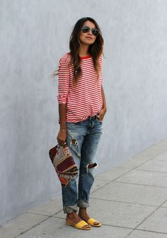 Fashion & Style Inspiration: Cute and casual outfit - boyfriend jeans, red and white striped shirt and yellow shoes. Boyfriend Jeans kombinieren: Looks für jede Figur Mode Outfits, Jean Outfits, Casual Outfits, Fashion Outfits, Stylish Mom Outfits, Flannel Outfits, Travel Outfits, Fashion Mode, Look Fashion