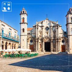 Quão magnífico seria apreciar a culinária cubana nesta linda praça da Catedral de Havana? Curta destinos incríveis com a Clube Turismo, uma boa viagem começa com uma boa escolha - http://www.clubeturismo.com.br/