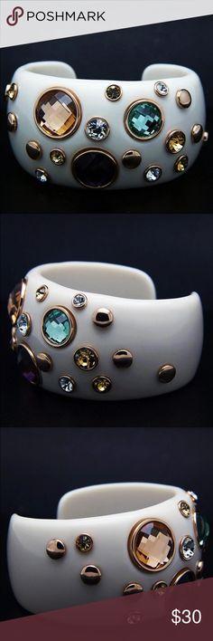 Beautiful Cuff Bracelet Austrian crystal, gold plated cuff bracelet. Jewelry Bracelets