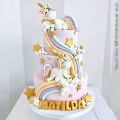 Savory magic cake with roasted peppers and tandoori - Clean Eating Snacks Beautiful Cakes, Amazing Cakes, Bolo My Little Pony, Baby Birthday Cakes, Unicorn Birthday, Unicorn Themed Cake, Unicorn Cakes, Unicorn Party, Girl Cakes