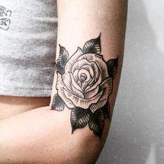 Mi hermoso tatuaje, ♥♥ #tattoo #rose #ink #blackandwhite #tatuaje #rosa #dotwork #blackwork ♥♥