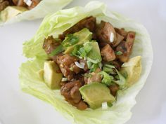 and she's no liar: paleo-lettuce-wrap - BEST lettuce wraps ever! DO NOT forget the shitake mushrooms! And I used Sriracha and sambal in lieu of the chili garlic sauce Paleo Lettuce Wraps, Chicken Lettuce Wraps, Lettuce Cups, Avocado Chicken, Healthy Low Carb Recipes, Paleo Recipes, Cooking Recipes, Healthy Dinners, Healthy Nutrition