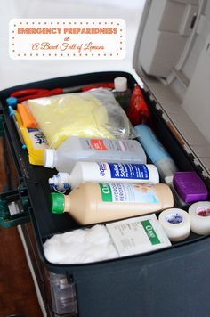 Designed by a nurse, this First Aid Kit will have you prepared for just about any emergency you could encounter. Tons of great ideas on what to include for your own! Via A Bowl Full of Lemons Love her super organized first aid kit! Disaster Preparedness, Survival Prepping, Survival Skills, Homestead Survival, Survival Supplies, Doomsday Prepping, Survival Gear, Hurricane Preparedness Kit, Emergency Preparedness Plan