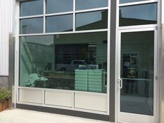 3M Prestige 40 Exterior window tint at REI Store   Commercial ...