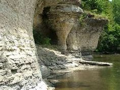 Seven Pillars on Mississinewa River, hangout for Miami Indians