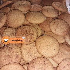 Μπισκότα κανέλας Cookies, Desserts, Food, Crack Crackers, Tailgate Desserts, Biscuits, Dessert, Cookie Recipes, Postres