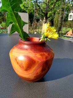 Vase aus Zwetschgenholz