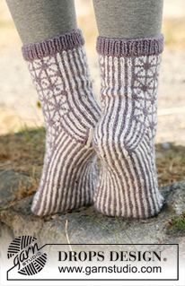 """Silver Star - Strikkede DROPS sokker med mønster i """"Karisma"""" - Gratis oppskrift by DROPS Design"""