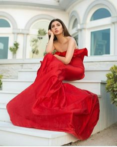 Mahira Khan, Pakistani Actress, Brand Ambassador, Cannes Film Festival, Flower Wall, Celebs, Actresses, Princess, Formal Dresses