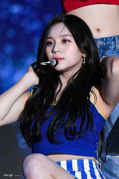 South Korean Girls, Korean Girl Groups, Kim Ye Won, Grunge Girl, G Friend, Music Photo, Pop Group, Kpop Girls, Cute Girls