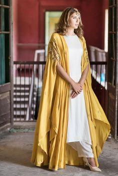 Mustard Cape Jacket With Kurta & Palazzo Pakistani Dresses, Indian Dresses, Indian Outfits, Bollywood Dress, Mode Abaya, Mode Hijab, Kurta Designs, Mode Turban, Black Lehenga