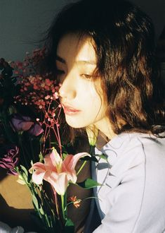 Colorful pretty too. Aesthetic Photo, Aesthetic Girl, Aesthetic Pictures, Foto Pose, Photo Reference, Up Girl, Girl Photography, Pretty People, Portraits