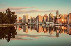 Golden Vancouver. @vancouver_canada @visitvancouverbc @explorecanada @canada @canada_gram @tourism_bc @beautifulbc__ #instagood #instalike #instadaily #travelphotography #photography #picoftheday #photooftheday #pictureoftheday #beautiful #city #sunset #summer #stanleypark #skyline #panorama #reflection