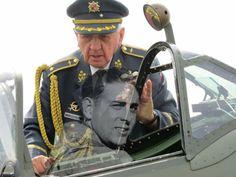 Brigádní Generál Emil Boček. V roce1939, v 16 letech, odešel tajně z domova. Dostal se doBejrútua zúčastnil se bojů ve Francii v létě 1940. V září 1940 veVelké Britániiabsolvoval pilotní výcvik a byl přijat doRAF.  Sloužil jako mechanik u 312. stíhací perutě. Roku 1943 byl na výcviku v Kanadě a od října 1944 sloužil jako pilot-stíhač u československé 310. stíhací perutě. Na svém kontě má 26 operačních letů. Z letectva odešel v roce 1946 70th Anniversary, Battle Of Britain, Wwii, Air Force, Pilot, Aviation, The Past, Army, Military
