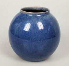 Aardewerkfabriek De Vier Paddenstoelen - blauwe vaas