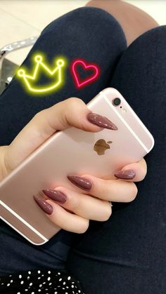 Repair my phone today guarantees same day repair service & 12 month warranty for iPhones repair oxford, Apple Repair Oxford, iMacs & MacBooks Repair Oxford. Hand Pictures, Girly Pictures, Shadow Pictures, Teenage Girl Photography, Girl Photography Poses, Cute Girl Photo, Girl Photo Poses, Cute Images For Dp, Profile Picture For Girls