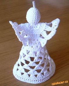 Crochet excellent graphs for angel and wings Crochet Angel Pattern, Crochet Angels, Crochet Patterns, Crochet Christmas Decorations, Holiday Crochet, Christmas Crafts, Slip Stitch Crochet, Thread Crochet, Christmas Bells