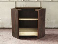 Freestanding wooden storage unit with doors LF 04 LF Collection by Atelier MO.BA. | design Luca Bazzi