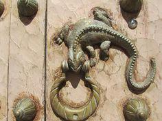 Дверные молотки как искусство: alexkolos