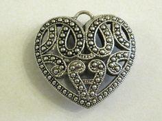 Vintage style heart pendant Riipus vanhahtava sydän - Helmien talo