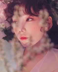 """445.6k Likes, 3,129 Comments - TaeYeon (@taeyeon_ss) on Instagram: """"🌸 #MakeMeLoveYou"""""""