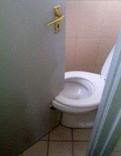 This Is Very Humor Picture Of A Toilet Door. In This Funny Picture The Door Of A Toilet Was Designed According To The Wrong Construction Of Bathroom. All This Happened Because Of Very Short Area Inside The Bathroom. Job Fails, Im An Engineer, Real Estate Humor, Design Fails, You Had One Job, Jobs, Gone Wrong, Home Inspection, Just For Laughs
