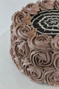 Moikka! Pieneen herkutteluhetkeen sopii tälläinen minttusuklainen täytekakku. Tämä kakku on samanlainen kuin se jonka tein viime kesänä s... Rings For Men, Pie, Favorite Recipes, Baking, Desserts, Food, Birthday Cakes, Torte, Tailgate Desserts