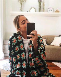 WAK 🐑✌🏻 (@weareknitters) • Zdjęcia i filmy na Instagramie Crochet Cushion Cover, Crochet Cushions, Crochet Granny, Knit Crochet, Oversized Cardigan Outfit, Knitting Kits, Knitting Projects, Cotton Crochet, Diy Clothing