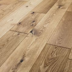 RUSTIC COTTAGE OAK BRUSHED & LACQUERED ENGINEERED WOOD FLOORING