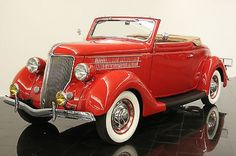 1936 Ford Model 68 Deluxe.