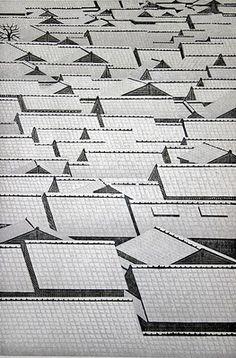 Ray Morimura (Japan Woodblock print 'Hatsuyuki First Snow', Art Japonais, Japanese Painting, Monochrom, Art Graphique, Japanese Prints, Japan Art, Woodblock Print, Textures Patterns, Printmaking