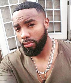 Sharing photos of black men to combat the erasure in the beard movement. Fine Black Men, Gorgeous Black Men, Cute Black Guys, Fine Men, Beautiful Men, Black Men Haircuts, Black Men Hairstyles, Bald With Beard, Beard Love