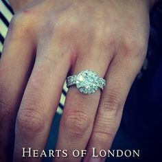 Power combo: scallop set halo diamond engagement ring with 2ct centre stone and scallop set wedding band