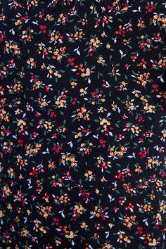 Gothic Wallpaper, Vintage Flowers Wallpaper, Flower Phone Wallpaper, Trendy Wallpaper, Cute Wallpaper Backgrounds, Tumblr Wallpaper, Cute Wallpapers, Iphone Wallpaper, Pattern Art