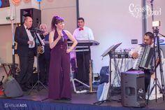 Muzica live asigurata de Formatie Nunta Cryss Band www. Diana, Live