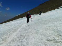 Cruzando el glaciar Iver cercano al portezuelo