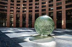 W pracowni: Tomasz Urbanowicz - Ładny Dom European Parliament, Strasbourg, Opera, Earth, France, Sculpture, Glass, Opera House, Drinkware
