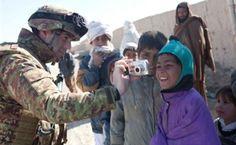 Afghanistan, la vita dei Dimonios Immagini inedite di guerra e pace.