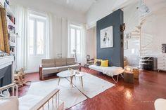 Un duplex Marseillais Dark Floor Living Room, Living Room Flooring, Living Room Decor, Bedroom Decor, Bedroom Apartment, Terracotta Floor, Red Floor, Bedroom Red, Duplex
