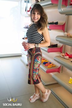 melissa mar - Pesquisa Google Melissa Mar, Summer Looks, High Waisted Skirt, Stylists, Street Style, Style Inspiration, Summer Dresses, Lifestyle, My Style