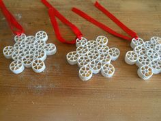 Twolittlebirds: Diy Snowflake Ornaments - fai con i tuoi bambini dei di neve di pasta ! Christmas Ornaments To Make, Christmas Mood, Christmas Crafts For Kids, Christmas Activities, Christmas Projects, Holiday Crafts, Christmas Decorations, Snowflake Ornaments, Snowflakes