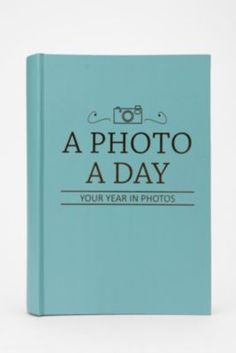 """""""Photo a Day"""" Photo Album. Documenting each day with one picture. Cool idea!"""