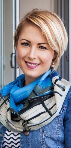Wear Seahorse Silks blue silk scarf Mooloo View with a striped tee & denim jacket.