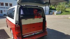 The Ikea shelves of the Nordli range offer great combination possibilities. Thus, you have a Multifelxboard in your / with storage space for less than 200 euros! Travel Camper, Car Camper, Camper Hacks, Mini Camper, Camper Van, Vw T5, Volkswagen Transporter, Land Rover Defender, Vw California Beach